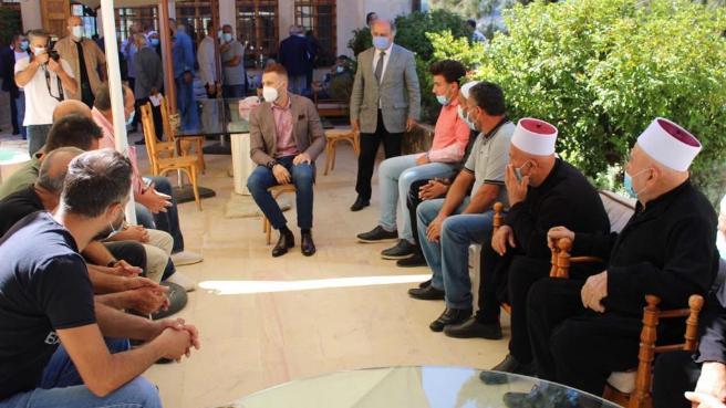 النائب جنبلاط أمام وفود: أما آن أوان القرارات المسؤولة؟!