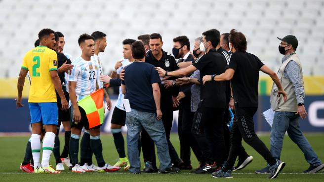 توقف مباراة بين البرازيل والأرجنتين.. ما السبب؟